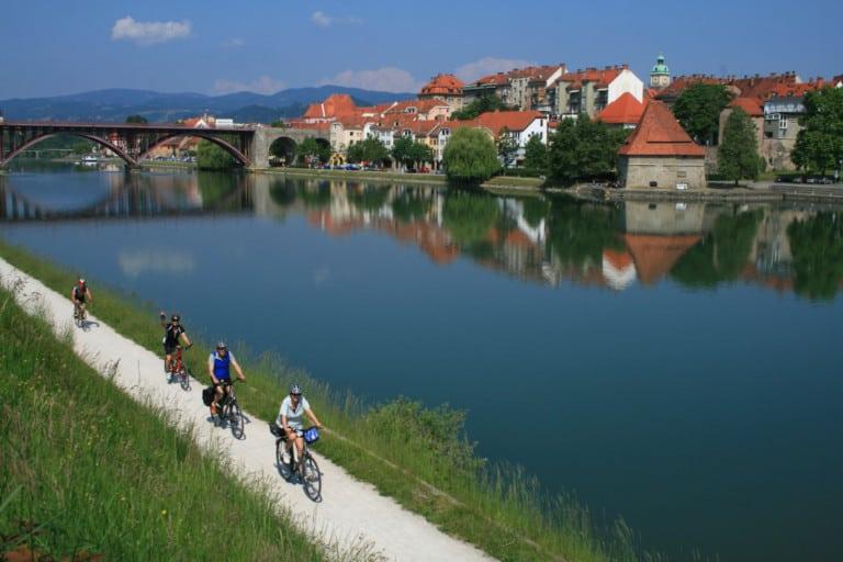 Radfahren am Mur-Radweg