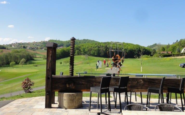 Golf & Wein-Presse